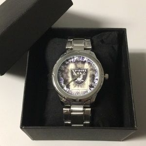🆕 Oakland Raiders Watch With Box